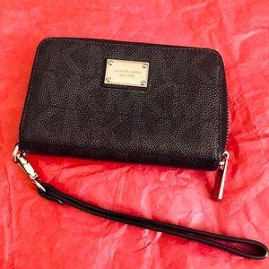 Michael Kors MK Leather Wallet Wristlet
